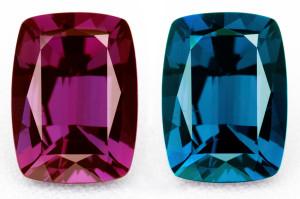 Разные по цвету камни