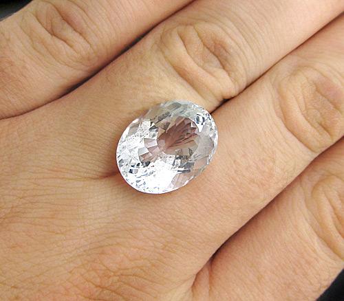 кольцо с гошенитом