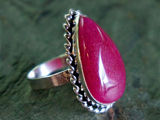 Перстень с красным яхонтом